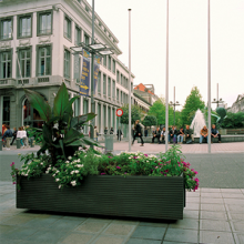 TRAM - Planter by santa-cole