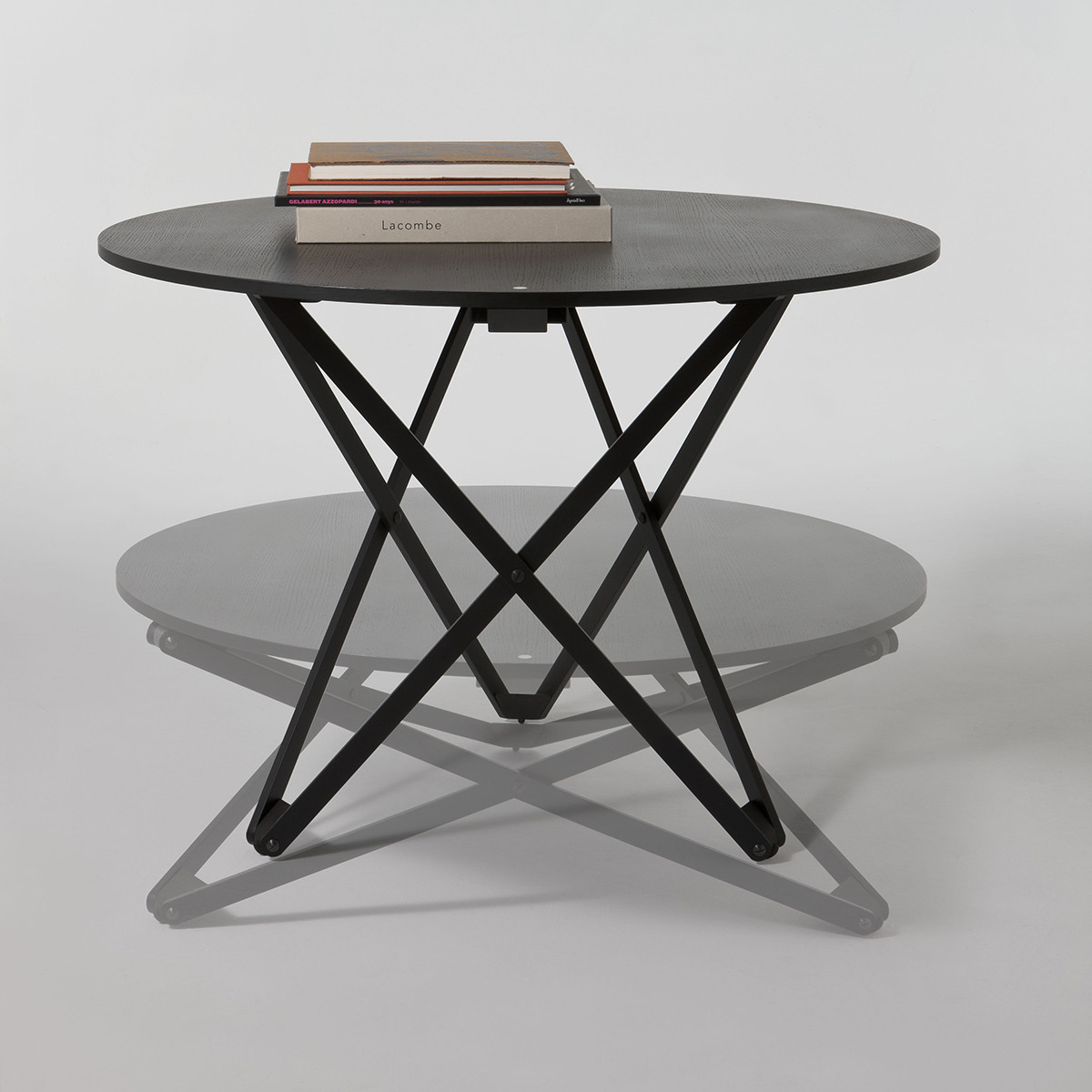 SUBEYBAJA Table - Adjustable height round table by santa-cole